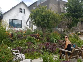 Our home and beautiful garden, filled with fruit trees and shrubs, perennial flowers, vegetables and  exotic plants. We know how much work it can be, as we take pride in our yarden and it shows.
