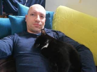 Cat-sitting Manar in Paris