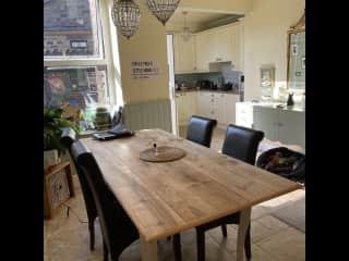 A pretty dining kitchen