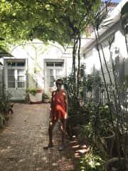 This is me in a very antique house in Colonia, Uruguay. We get into it because that garden was full of wonderful plants. It seems that the owners really love them.