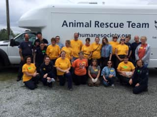 My trip to Georgia, US two years ago to work a puppy mill bust with the Humane Society of the United States.  That's me in the back row, blue shirt,doing the rabbit ears!