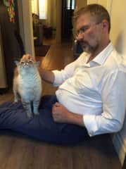 John finally won the very shy Coco over with excellent pitty pats, at our July 2020 house sit in Thunder Bay, Ontario, Canada.