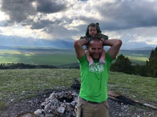 Lorry and Jasmine - wild camping in Wyoming outside Yellowstone National Park