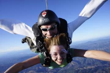 Sky diving in Cloverdale, CA
