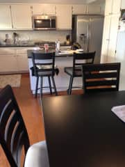 Remodeled kitchen w new appliances