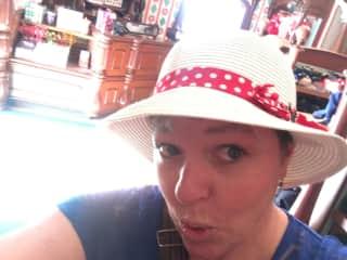 Disneyland looks good on me :)