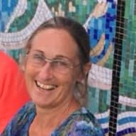 Profile image for pet sitter Roslyn