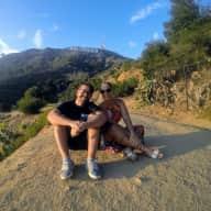 Profile image for pet sitters Larissa & Gabriel