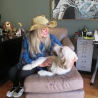 Profile image for pet sitter Shirley