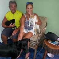 Profile image for pet sitters Lori & Stephen