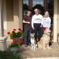 Profile image for pet sitters Larry & Susan