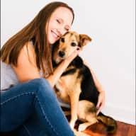 Profile image for pet sitter Arielle