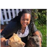 Profile image for pet sitter Aprile