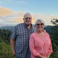 Profile image for pet sitters Linda & Larry