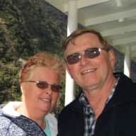 Profile image for pet sitters Lindsey & Barry
