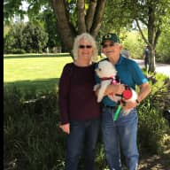Profile image for pet sitters Emanuelle & Jerry