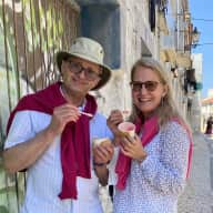 Profile image for pet sitters Mary Kay & Stéphane