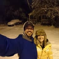 Profile image for pet sitters Justin & Erin