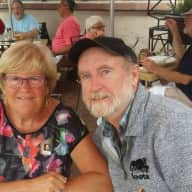 Profile image for pet sitters Wendy & Larry