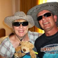 Profile image for pet sitters WENDY & Dan