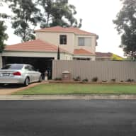 Calamvale executive home - 3 bed, 2 1/2 bath. 2 small dogs - no exercise required