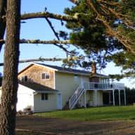 Beach House, SW Washington State with Beautiful Cat