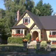 Pet/house sitter required in beautiful Victoria, BC