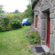 Sitter needed for 2 cats in a comfortable cottage, in Central Brittany