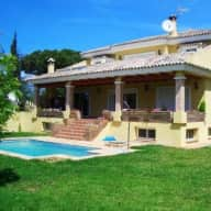 Dog care & house sitting in very nice Villa by the beach & mountain side in Marbella