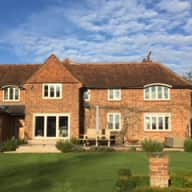Herts country village home and pet sit