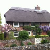 BE BARNEY'S COMPANION IN OUR LOVELY THATCHED HOUSE BY CHICHESTER HARBOUR