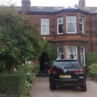 Pet/House sitter required for 2 weeks+ in Glasgow, Scotland