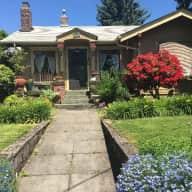 Cozy craftsman bungalow in downtown Vancouver ,  Washington.  close to Portland, Oregon
