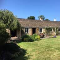 Cotswold home and 2 small dogs (horse care optional)