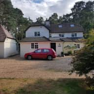 4 bed house in own garden, quiet secluded area