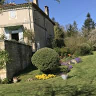Characterful Charentais House ( ex hunting lodge) with large garden and barns