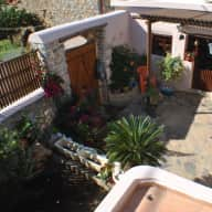 Pet and house sitter sought for 3 small dogs on the island of Crete, Greece