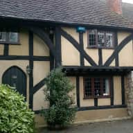 Beautiful Kentish Tudor cottage and happy dog and cats need carer!