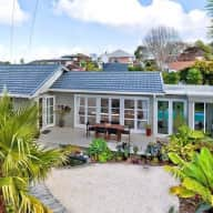 House & Pet sitter needed for 4 weeks, Auckland.