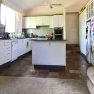 Sunny 4br Kambah (ACT) house backing reserve, with one elderly cat