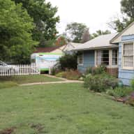 3 bedroom house near old town Longmont, CO - Chickens and Garden!