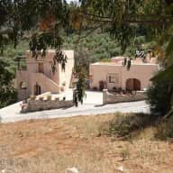 House and cat sitter in Crete