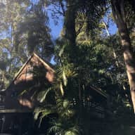 Rainforest retreat with 2 cats & 5 chickens - 18/8 to 4/10