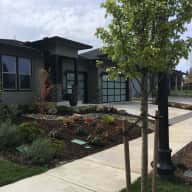 Dog and House Sitter - Portland, OR, USA / Sitters must be willing to walk an hour every morning and evening.
