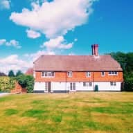 Holiday care for 2 cats in beautiful Grade II listed Hampshire farmhouse