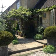 small Cotswolds cottage and 2 cats.