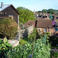 Artist's residence in unique Wiltshire village