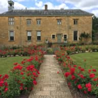 North Cotswold Historic Home, a Chihuahua and 2 Maltese
