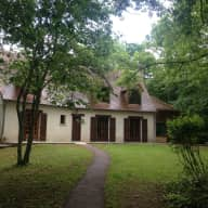 House and Cat sitter required for 1 month near Tours France
