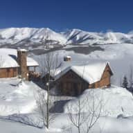 House and dog sitter  needed in lovely Rocky Mountain home